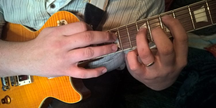 guide to guitar tapping